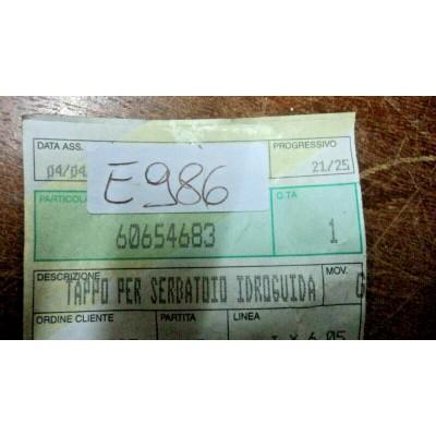 E986 -- 60654683 ORIGINALE ALFA ROMEO 147 156 166 GT GTV SPIDER TAPPO IDROGUIDA-0