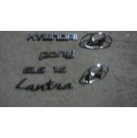 M2554 XX - STOCK EMBLEM SCRITTA STEMMA BADGE LOGO HYUNDAI PONI LANTRA